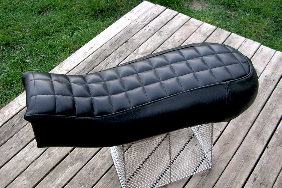 custom-motorcycle-seats_custom-kawasaki-seat-b