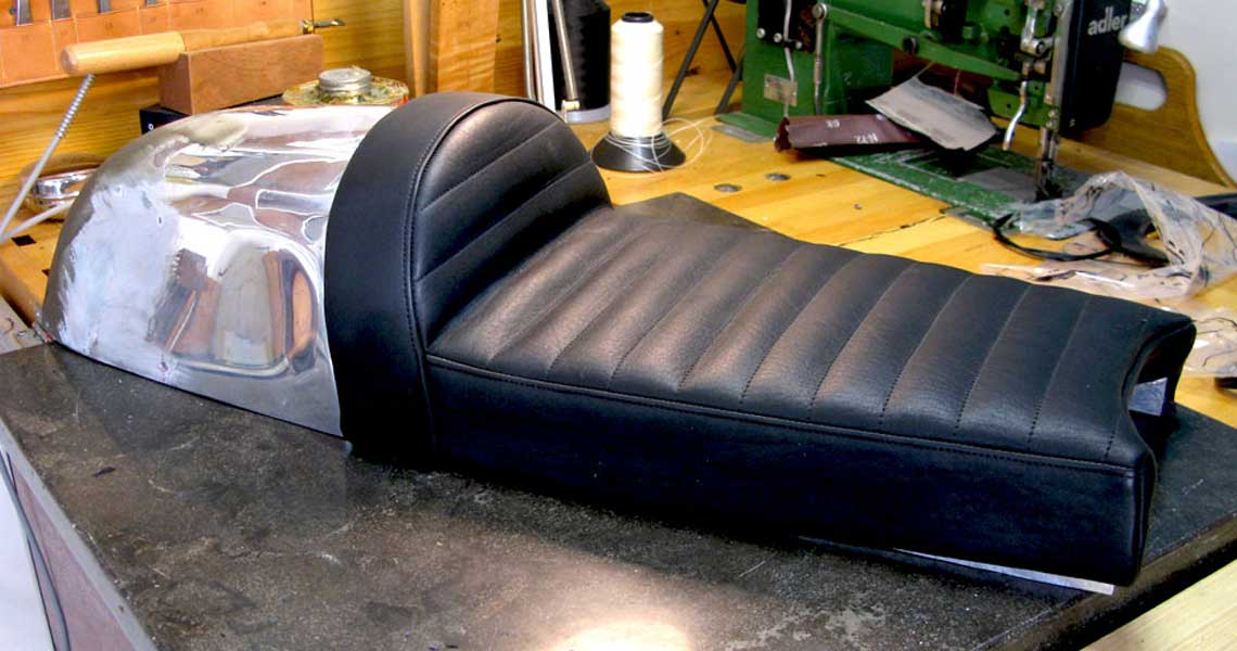 custom-motorcycle-seat_custom-seats_tailgate-cafe-2