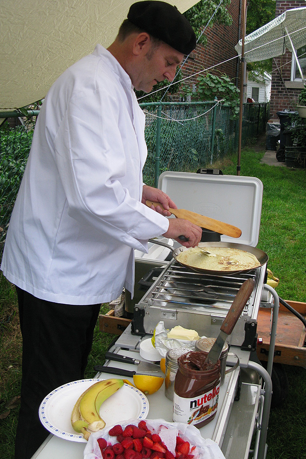 Pop-up Crepe stand at party